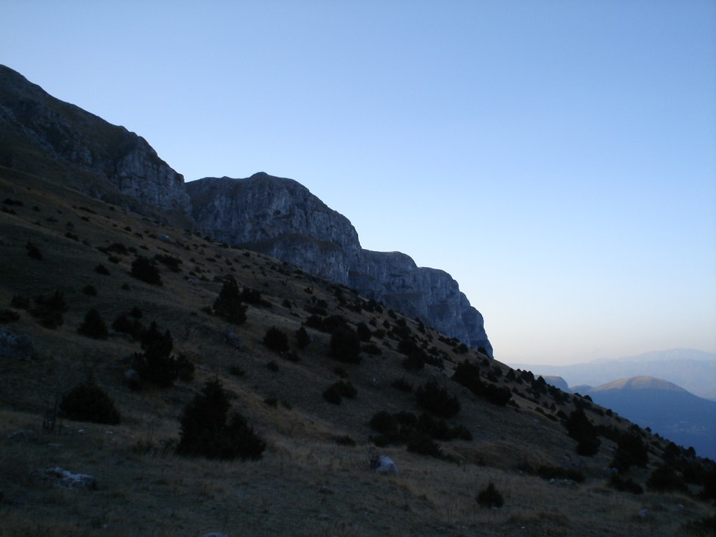The Towers of Atsraka do not look so intimidating as we ascend to their level of about 1700 m