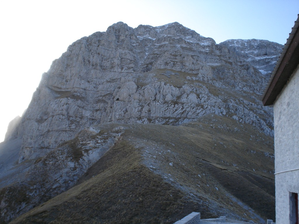 Reaching the col of the Astraka mountain refuge. Elevation 1950 m. Astraka massif (highest point 2436 m) in the background
