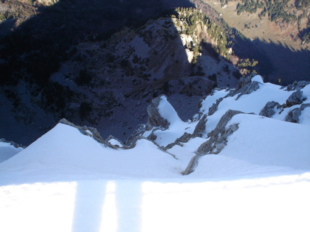 The view from the edge. This is the north side of Tymfi. Only cliffs!